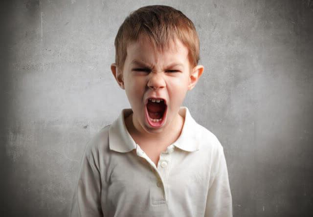 Crise de colère puérile